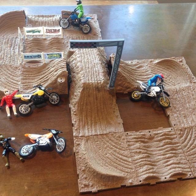 Jakks Mxs Motor Cross Dirt Bike Track