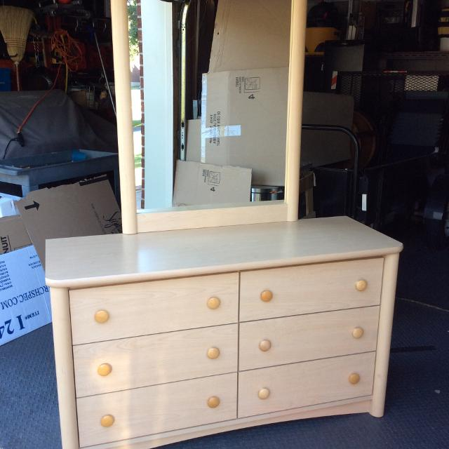 Find More Palliser 6 Drawer Dresser With Mirror For Sale At Up To
