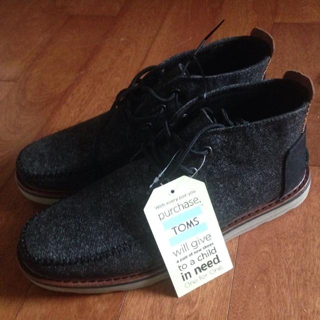 20630569030 Find more Bnwt Men s Toms Chakka Boot for sale at up to 90% off