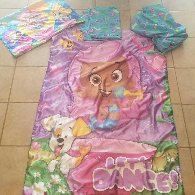 Bubble Guppies 4 piece toddler bedding EUC. Find more Bubble Guppies 4 Piece Toddler Bedding Euc for sale at