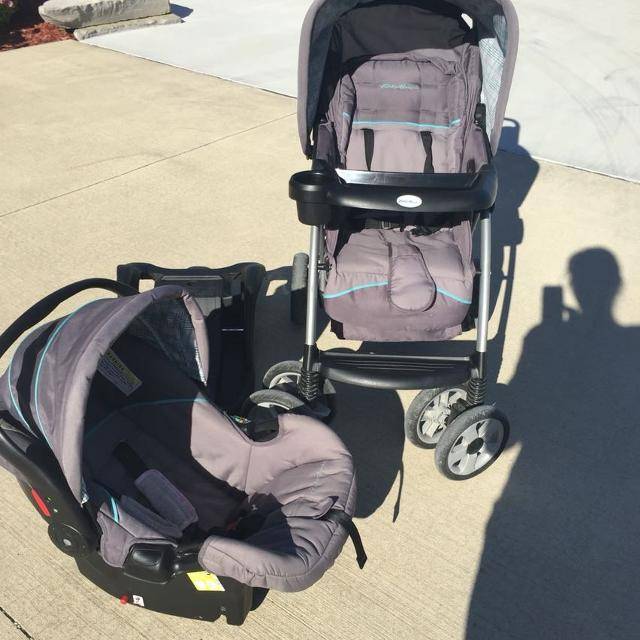 Eddie Bauer Car Seat And Stroller Combo With Base