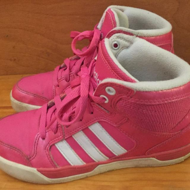 c9446a22b0 Girls Adidas shoes size 51/2