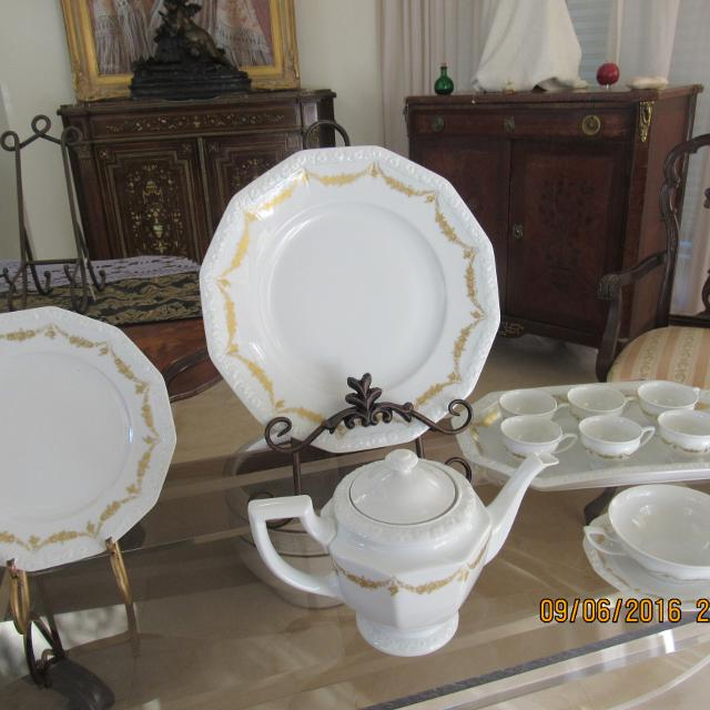 ROSENTHAL DINNERWARE 12 PIECES PLACE SETTING