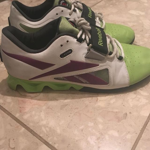 Find more Reebok Olympic Lifting Shoes 9.5 Women s for sale at up to ... a70b19efe