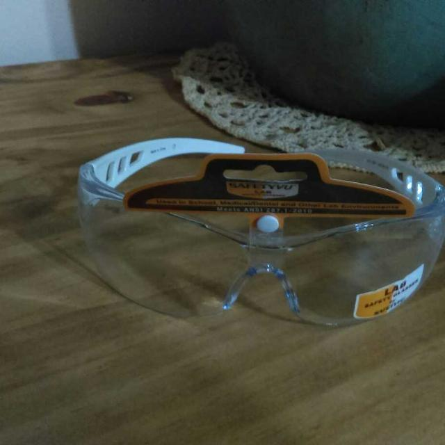 fc148d1840 Find more Safety Vu .....lab Safety Glasses  .white Arms for sale at ...