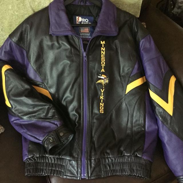 low priced 32241 f14ed Men's Leather Vikings Jacket