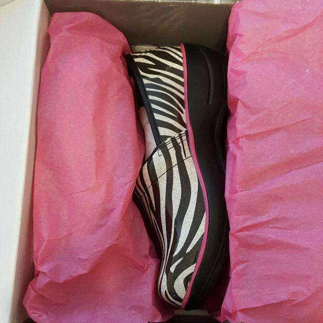 e204e0cab18 Best Wild At Heart By Smitten Zebra Nursing Shoes for sale in Pensacola,  Florida for 2019