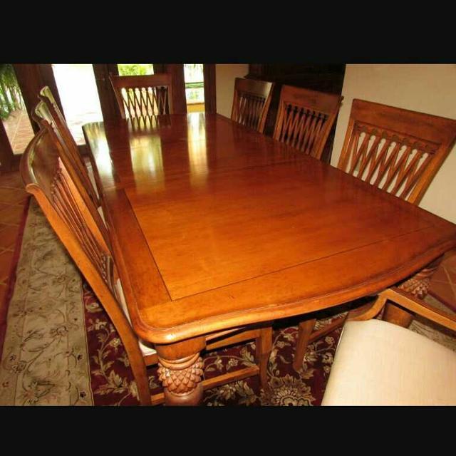 Lexington Tommy Bahama Sunset Dining Room set