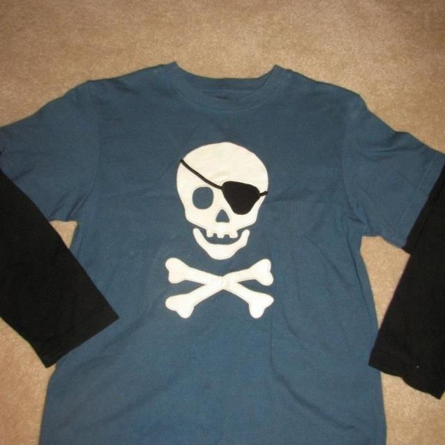 Best Barely Worn Gymboree Long Sleeve T Shirt With Glow In The Dark