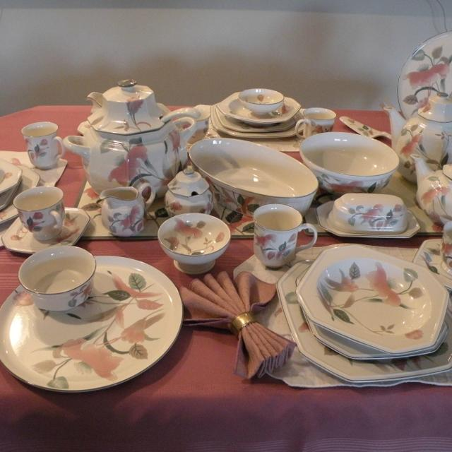 Find More Mikasa Silk Flowers Fine Dining Set Price Reduced For