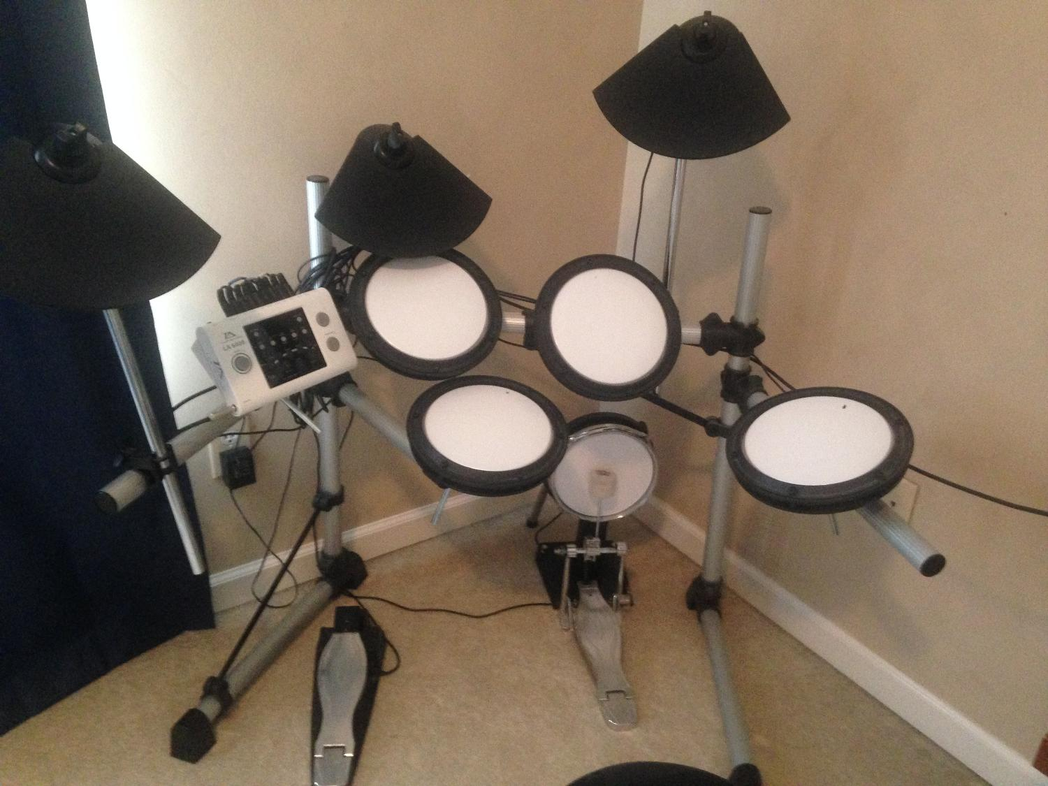 best lloyd audio electric drum set for sale in johns creek georgia for 2019. Black Bedroom Furniture Sets. Home Design Ideas