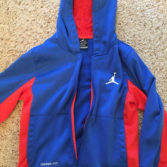 667a5b86362e Find more Boys Nike Air Jordan s Zip Up Hoodie. Size S 8-10 Years ...