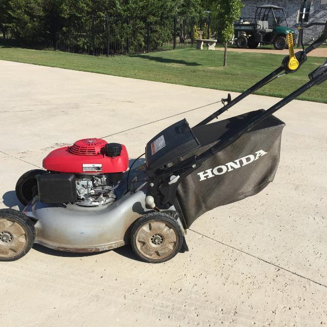 Honda Quadra Cut Easy Start Variable Speed Self Propelled Lawnmower
