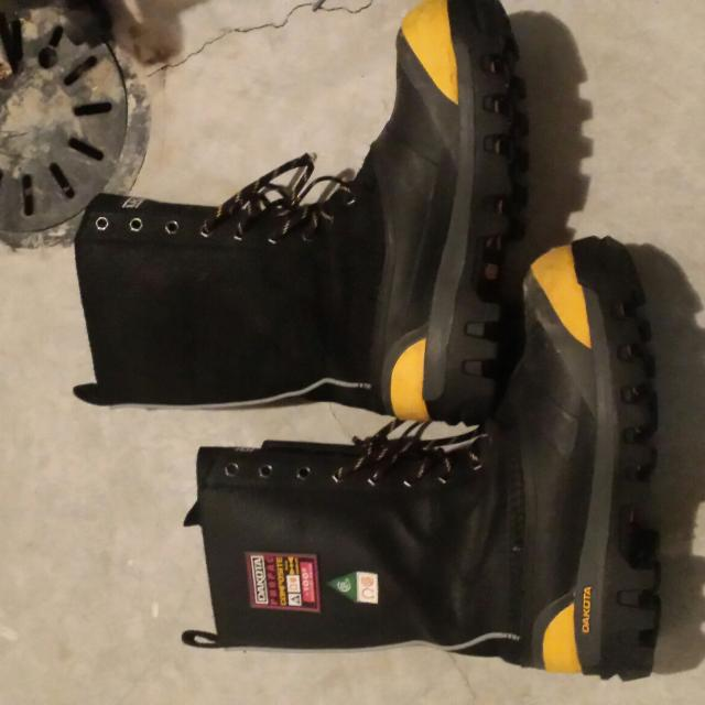 Find more Size 7 Dakota Winter Work Boots for sale at up