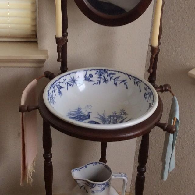 Best Antique Wash Stand With Wash Bowl And Pitcher For Sale In