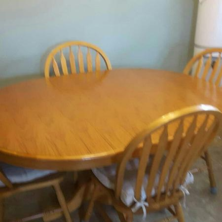 Oak Table and chairs for sale  Canada