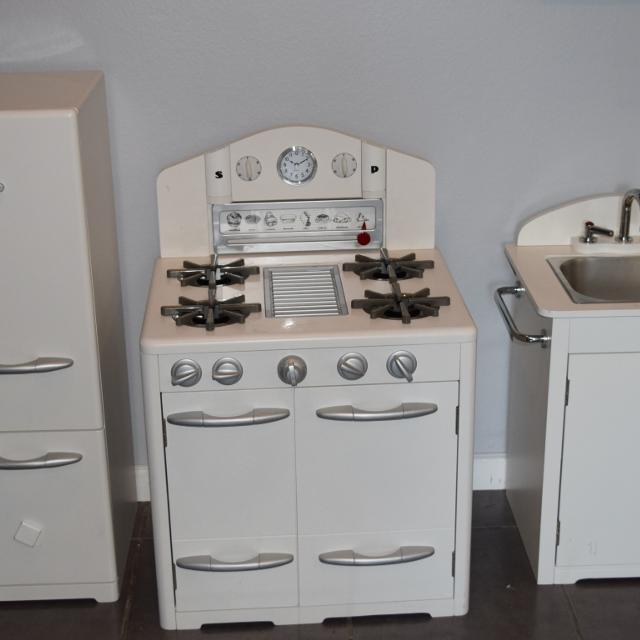 Pottery Barn Retro Kitchen Collection