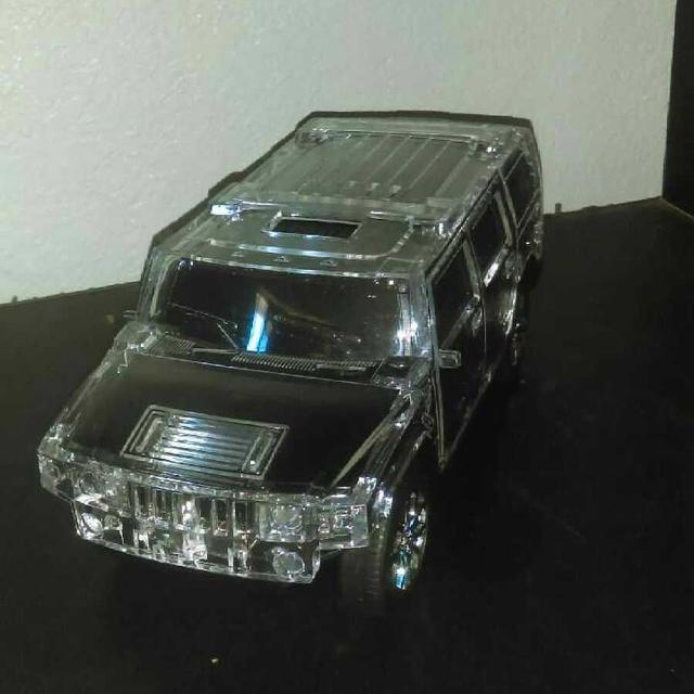 9/10 flashing hummer speaker with Bluetooth
