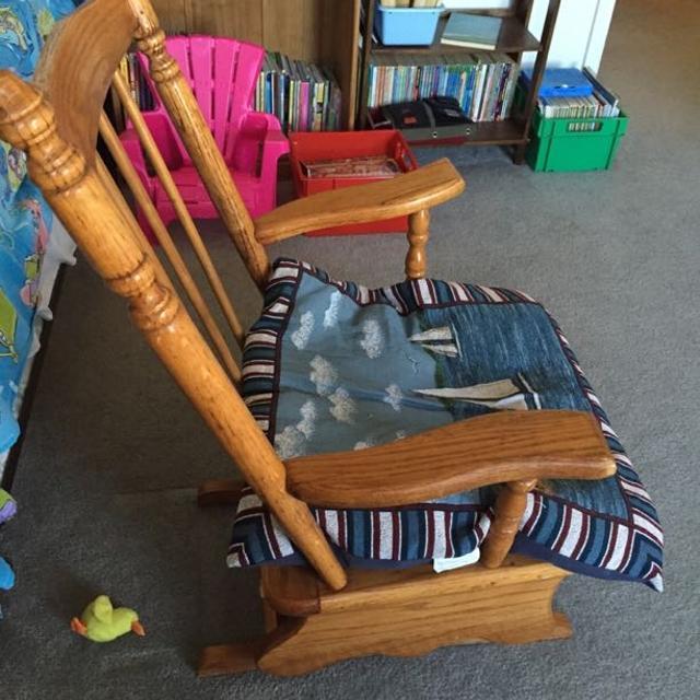 Best Hardwood Spindle Upholstered Cricket Vintage Rocking Chair Rocker For In Fredericksburg Virginia 2019