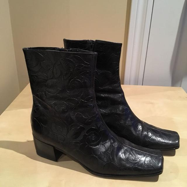 727ad1e47541 Find more Women s Italian Leather Embossed Boots Size 6.5 Price Drop ...