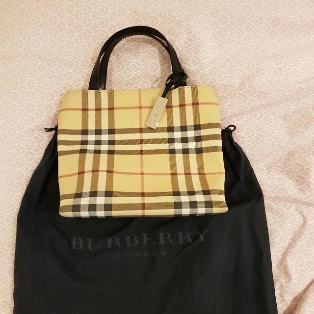 Best Authentic Burberry Evening Bag for sale in Vaudreuil 8417f153e0afa
