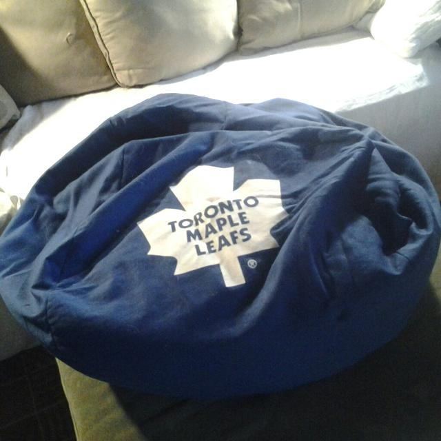 GUC Toronto Maple Leafs Bean Bag Chair Needs A Wash And More Filling Good