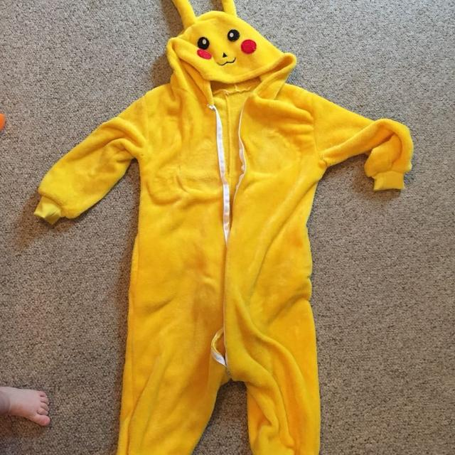 f39b05084f7d Find more Pokemon Pikachu Onesie.fleece  needs New Zipper  Kids Size ...