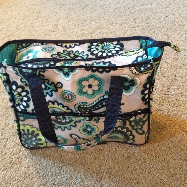 fb527ff27236 Find more Thirty-one Paisley Day Print True Beauty Cosmetic Bag for ...