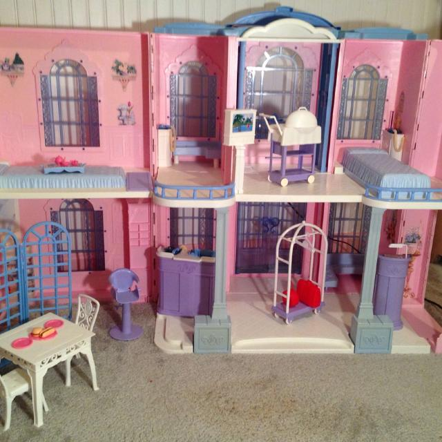 Find more barbie grand hotel playset with working for Hotel barbie