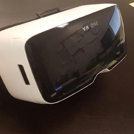 Used, Zeiss VR ONE virtual reality headset... for sale  Canada