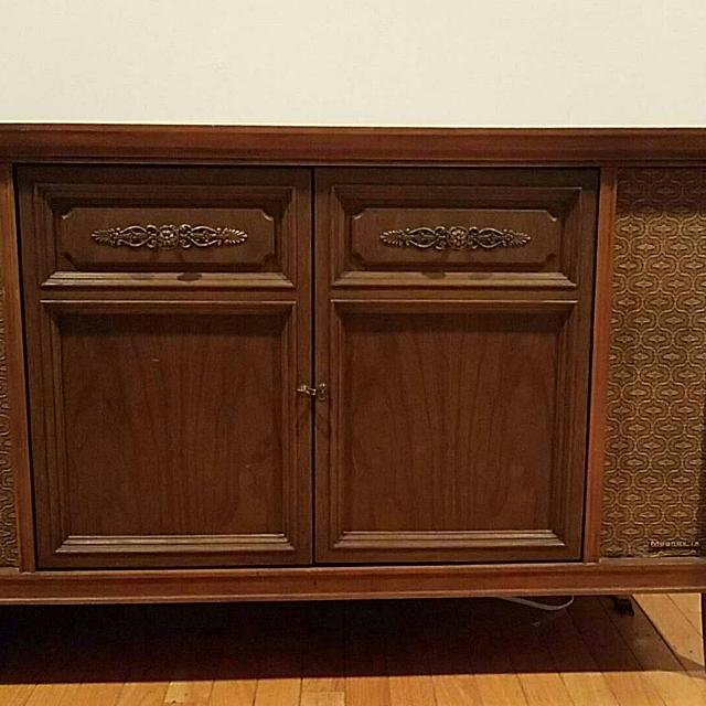 REDUCED Vintage 50's Magnavox Console Stereo Record Player