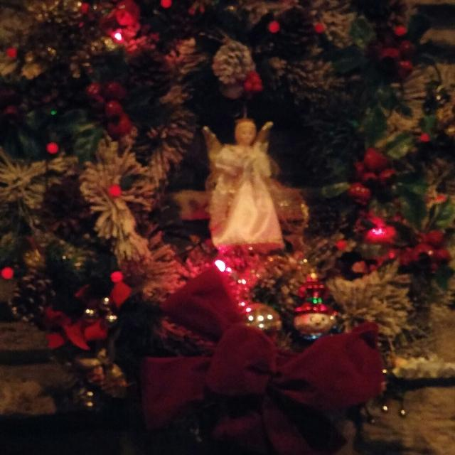 Best Large Christmas Wreath To Hang Above Fireplace For Sale In