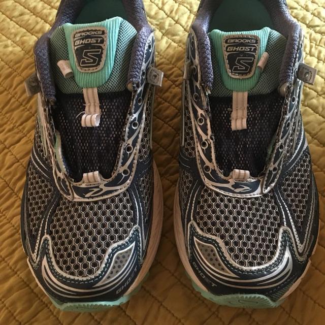 Brooks Running Shoes Female