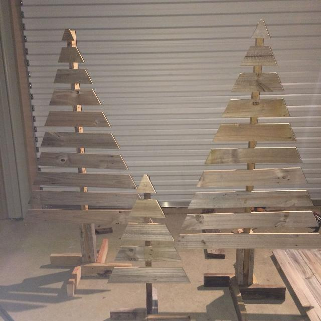 Wood Pallet Christmas Tree.Wood Pallet Christmas Trees