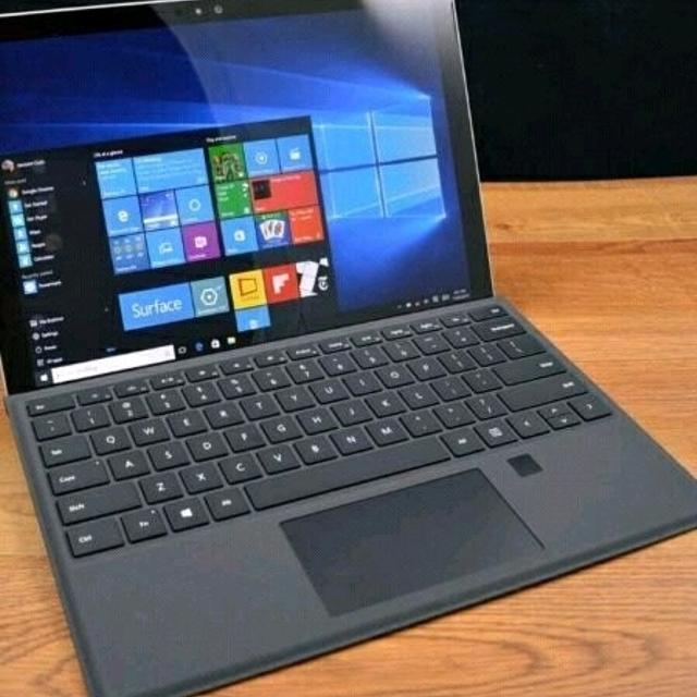 Surface Pro 3 - 256 GB - 8GB Ram + Keyboard and Pen