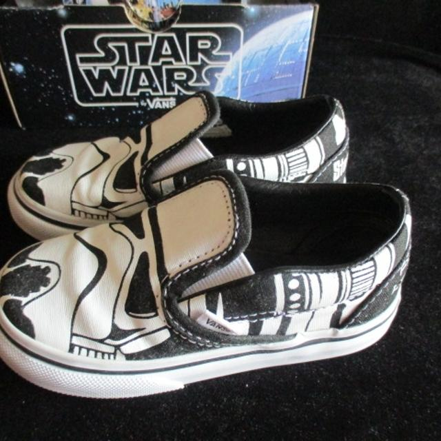 ef4a34b5826a96 Find more Vans Star Wars White   Black Stormtroopers Classic Slip ...