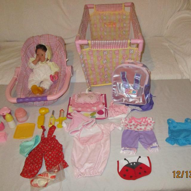 Lee Middleton Baby Doll Crib Car Seat Clothes Accessories
