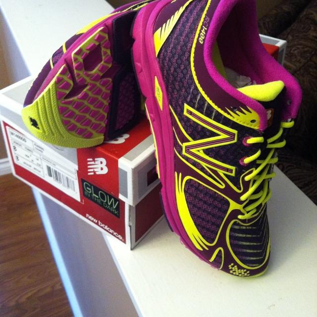 best cheap ad941 8a2e6 New/Never worn - New Balance RC1400 Glow in the dark running shoes - size 8