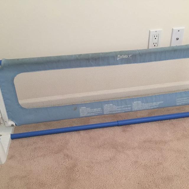 4bd51d2f2 Find more Safety First Top Of Mattress Bed Rail for sale at up to 90 ...