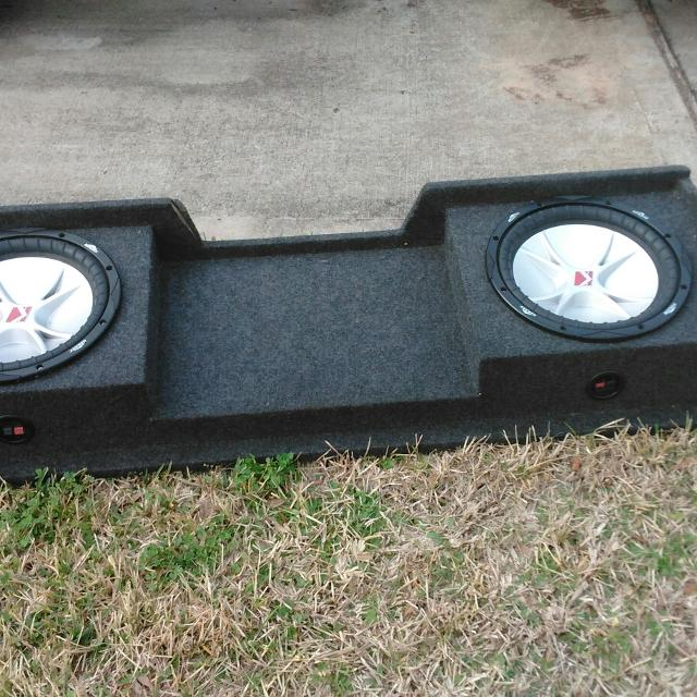 2/ 12in kicker subwoofer for sale and 2,500 watt Amp for sale