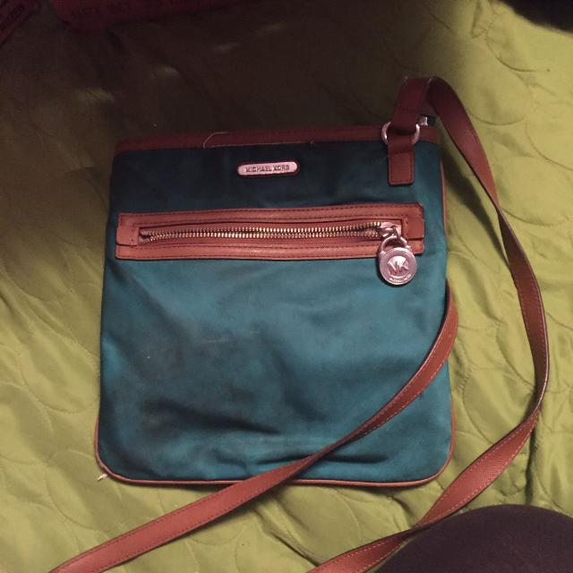 0a8e4c0f3bed Best Michael Kors Purse 35$ for sale in Brazoria County, Texas for 2019