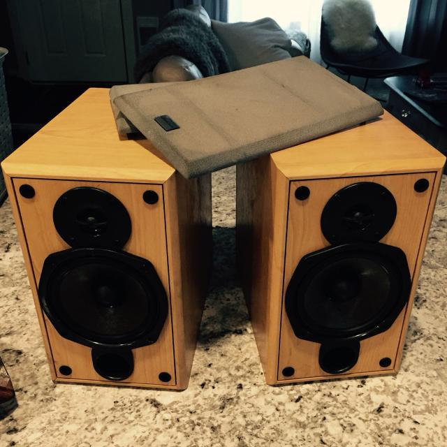 Onkyo D N5TX Bookshelf Speakers These Were Over 400 In Perfect Working Condition