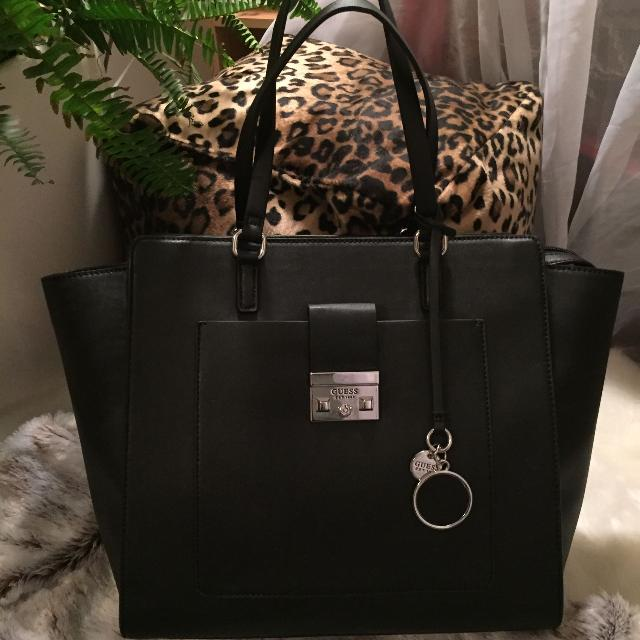 Find more Gorgeous Big Black Guess Tote for sale at up to 90% off ab090afd31a8c