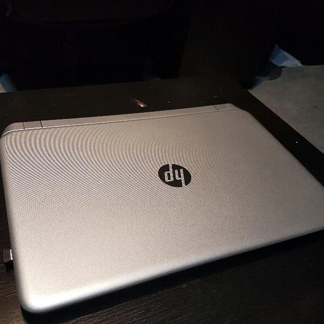 HP Pavilion 15 Notebook PC 15-p164ca