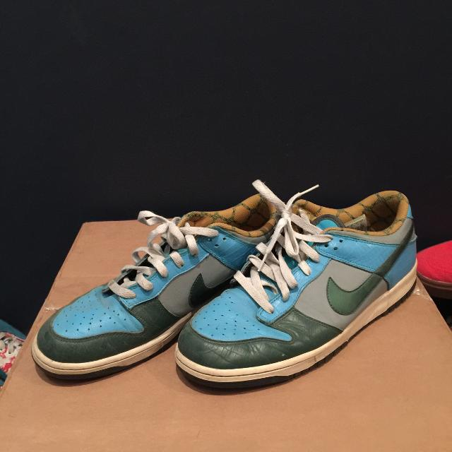 low priced 734a6 44138 Nike SB dunk blue green yellow