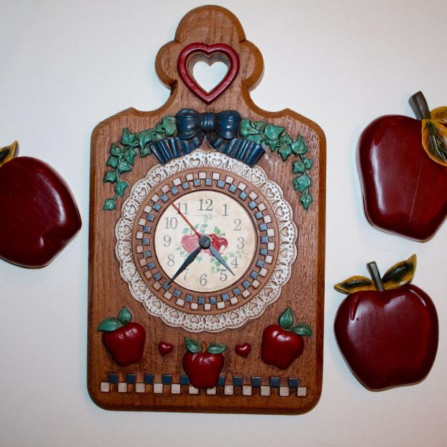 Find More Home Interiors Apple Cutting Board Clock With Apple Wall Plaques Red Decorations For Sale At Up To 90 Off