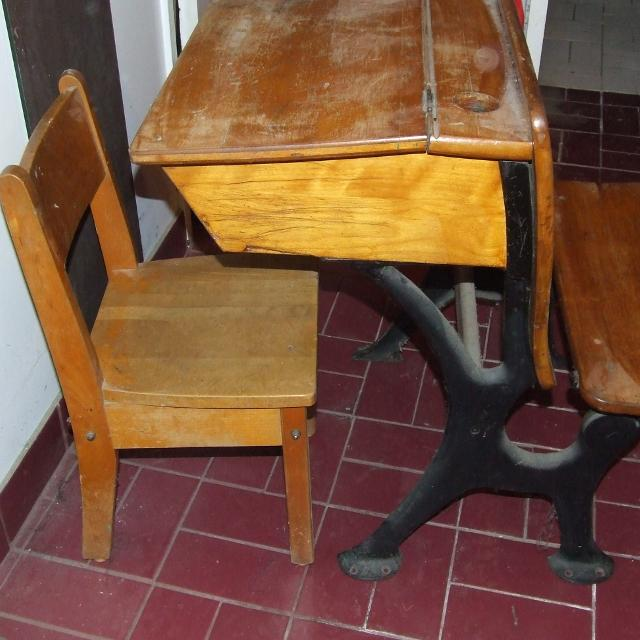 Antique School Desk with cast iron legs - Best Antique School Desk With Cast Iron Legs For Sale In Dollard-Des
