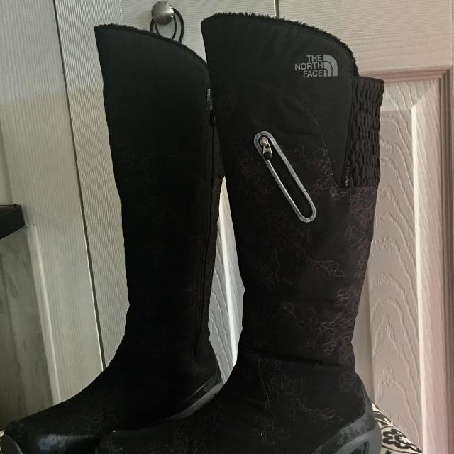 83dd81b20 The North Face Hailey tall black/grey winter boots in excellent condition.  Waterproof, Zippered sides, TNF winter grip w/ ice pick outsoles