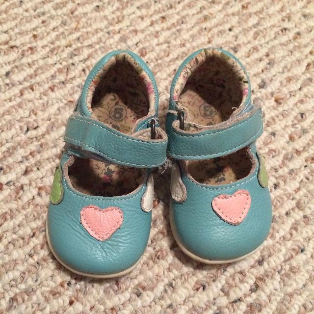 91d6151e5be6 Find more Girls Size 4 Outbak Baby Blue Leather Shoes for sale at up ...