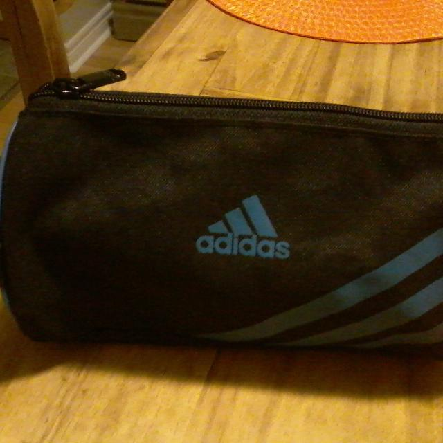 Find more Adidas Shaving Kit Bag Or Makeup Bag for sale at up to 90% off eeed884cf9aa2
